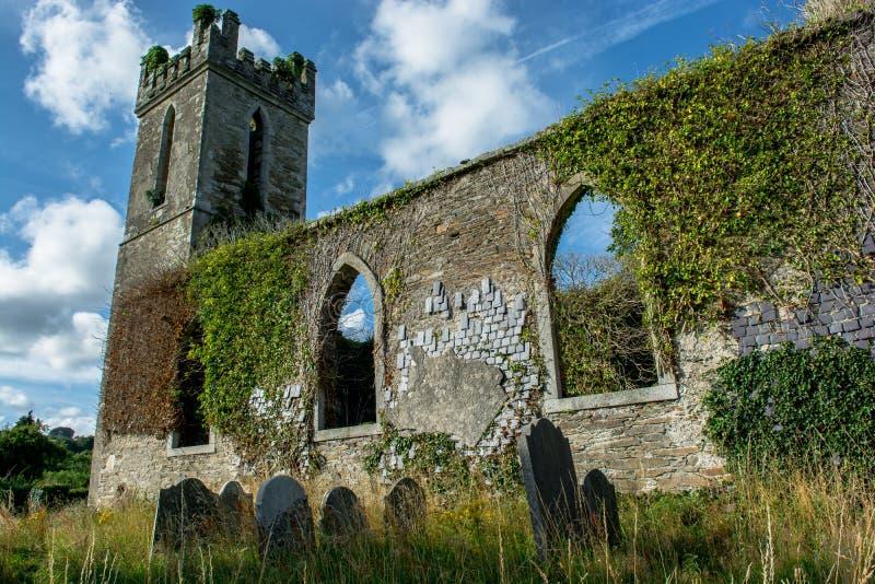 Stary kościół i cmentarz w Irlandia zdjęcia royalty free