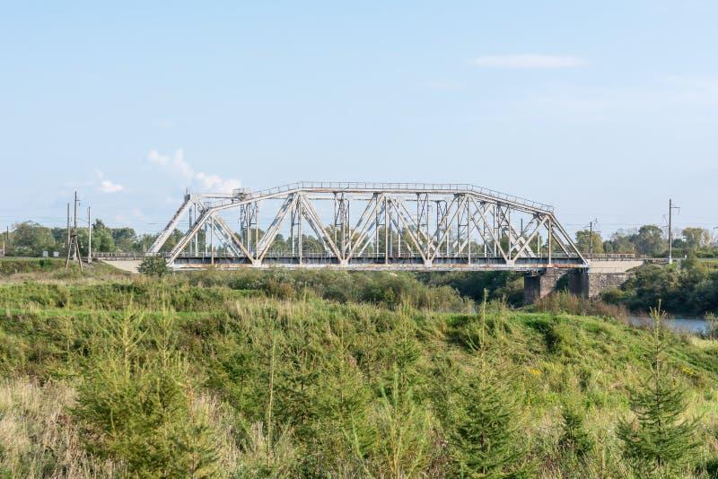 Stary kolejowy most przez rzekę zdjęcia stock