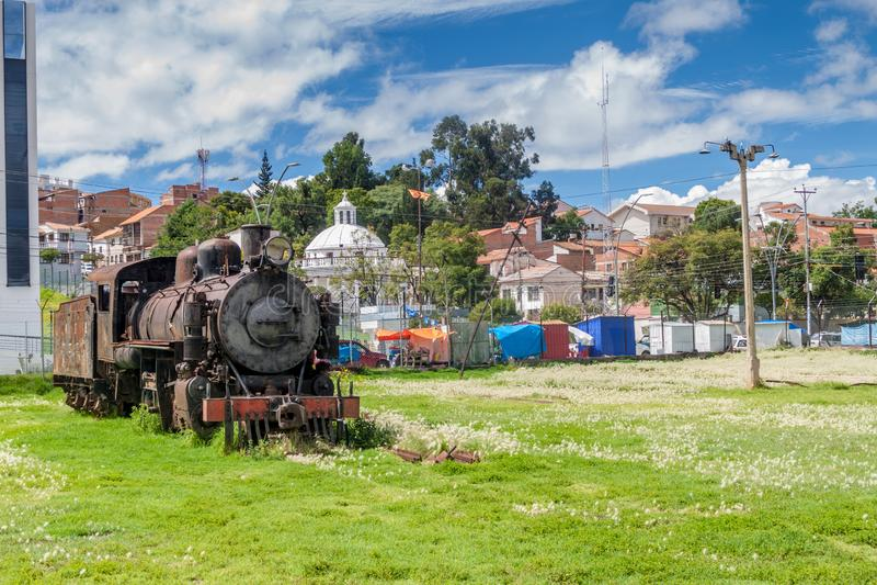Stary kontrpara pociągu silnik blisko Estacion Presidente Arce, stara stacja kolejowa w Sucre, Boliv obraz stock