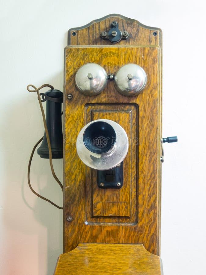 Stary korba stylu telefon obraz royalty free
