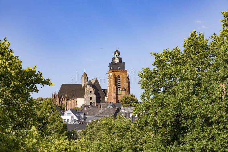 Stary lahn most, widok sławna kopuła Wetzlar i zdjęcie royalty free