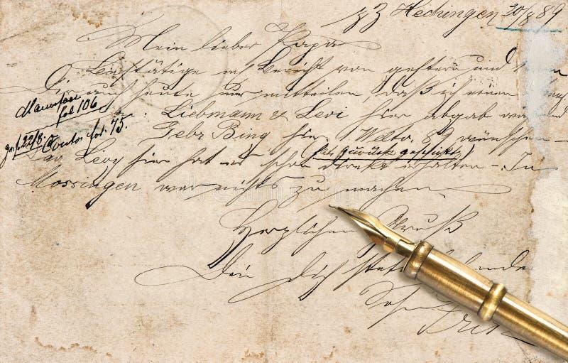 Stary list z kaligraficznym ręcznie pisany teksta i rocznika atramentu pe fotografia stock