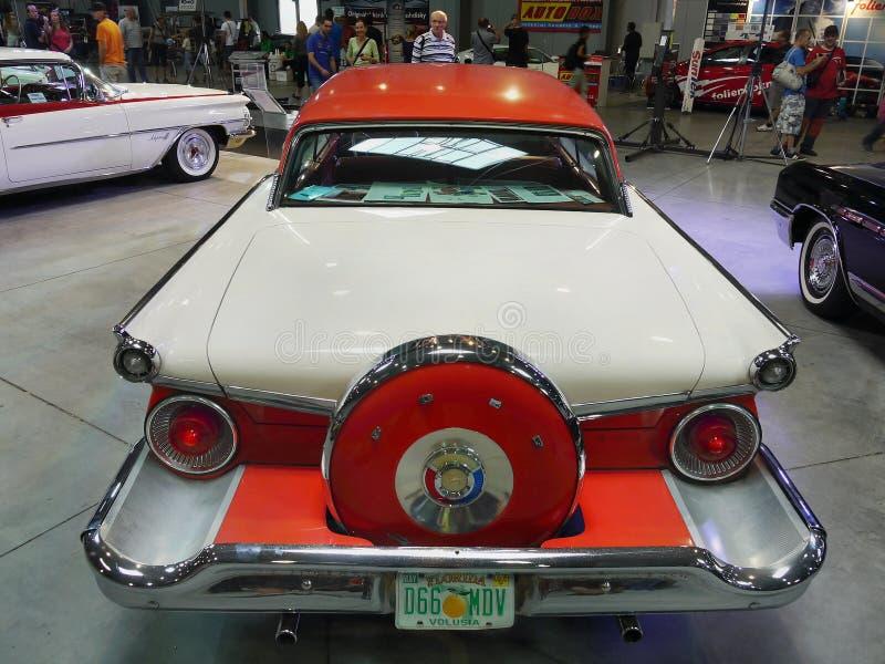 Stary Luksusowy Ameryki samochodu przedstawienie obraz stock