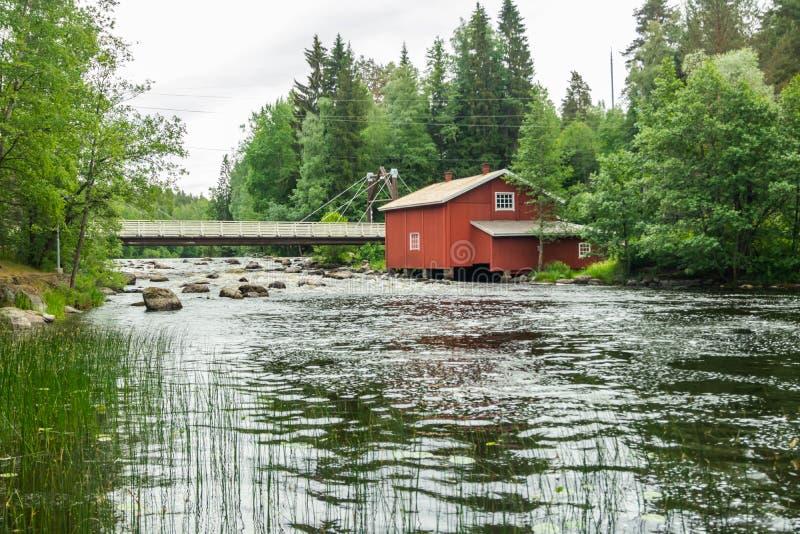 Stary młyn, tama i próg na rzecznym Jokelanjoki, Kouvola, Finlandia obraz royalty free