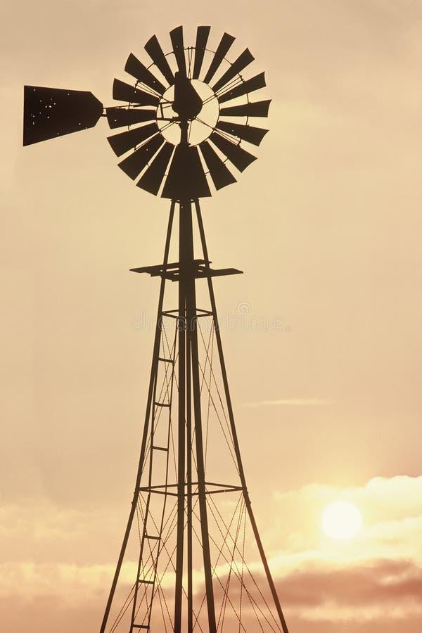 Download Stary młyn obraz stock. Obraz złożonej z farm, wiatraczek - 49753