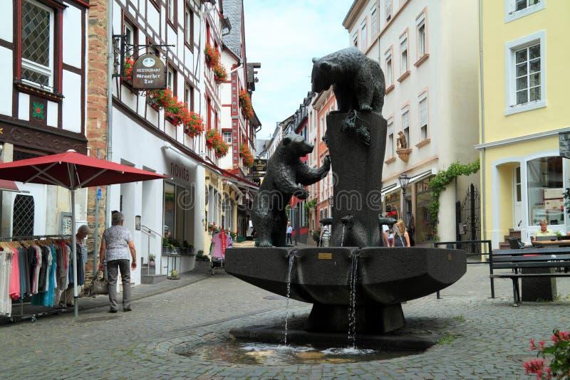 Stary mały miasto Bernkastel Kues w Niemcy obraz stock
