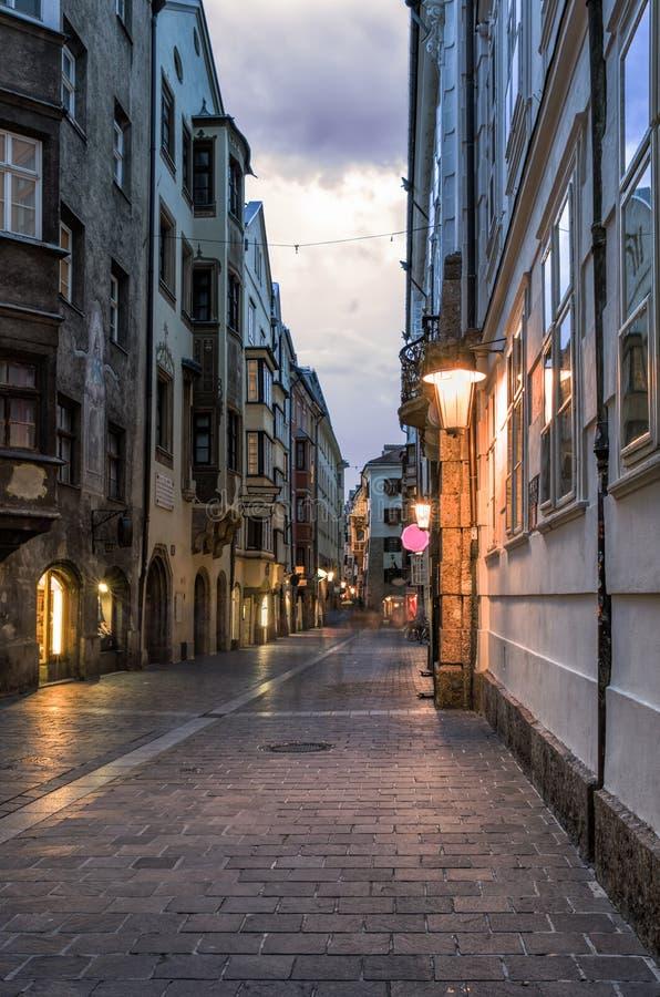 Stary miasteczko Innsbruck, Austria, nocą fotografia royalty free