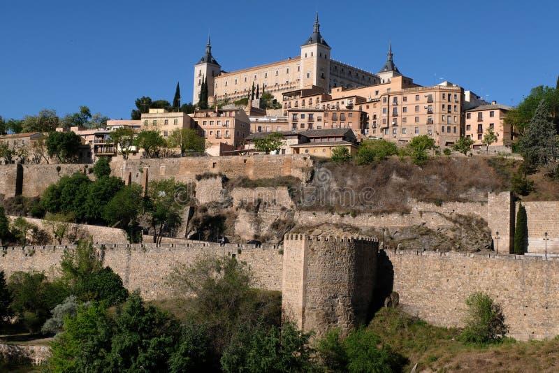 Stary miasto Toledo dominował Alcazar zdjęcie royalty free