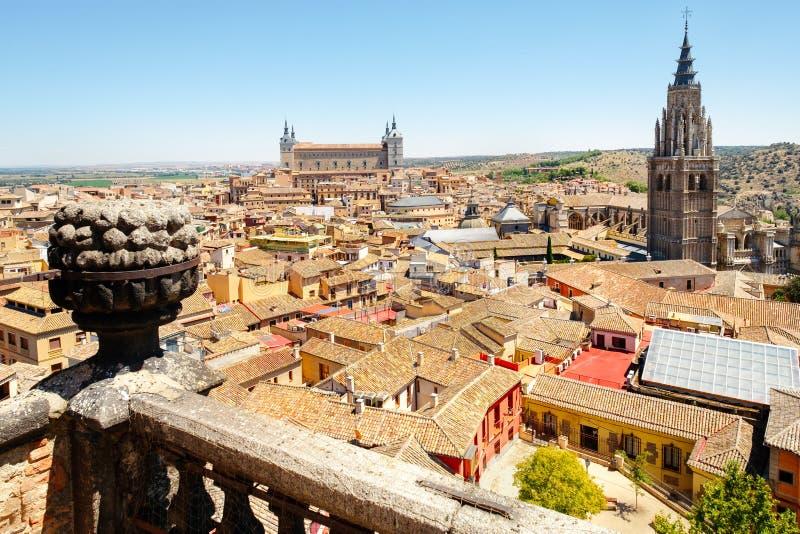 Stary miasto Toledo w Hiszpania z Alcazar i katedrą zdjęcie stock