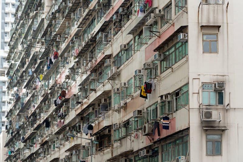 Stary mieszkanie, powierzchowność stary budynek mieszkalny przy dniem w Hongkong obraz stock