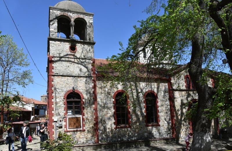 Stary natury kamiennego kamieniarstwa kościół w wiosce Palaios Pantel zdjęcie stock