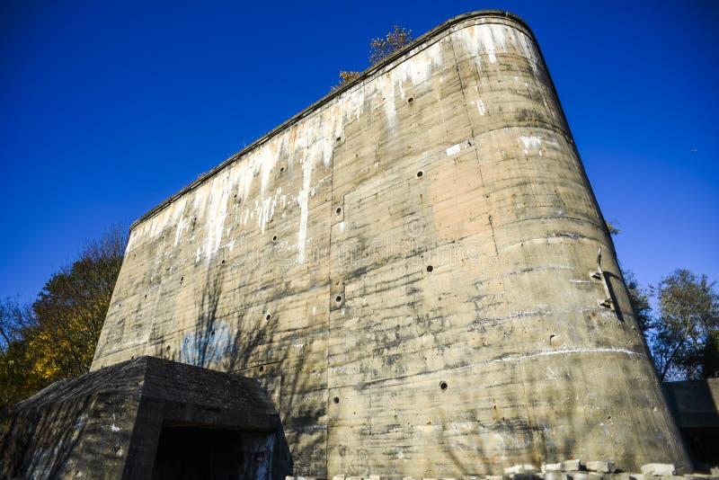 Stary Niemiecki bunkier od czasu Drugi wojny światowej obraz stock