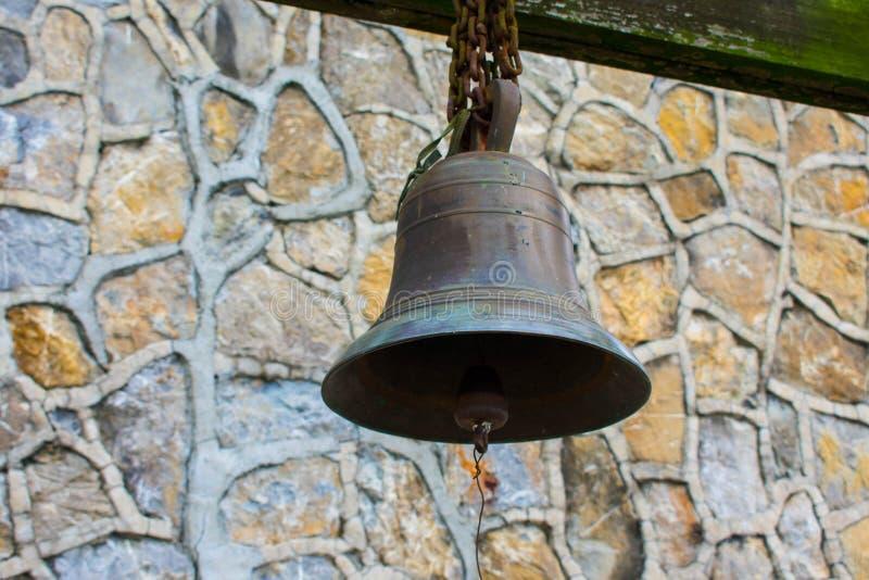 Stary Ośniedziały Brązowy metal Bell obrazy stock