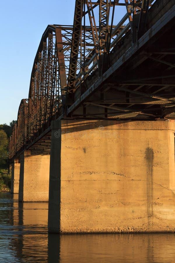 Stary Ośniedziały metalu most zdjęcia stock