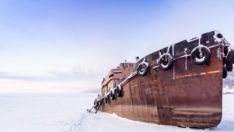 stary ośniedziały statek obrazy stock