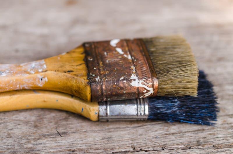 Download Stary Paintbrush Na Drewnianym Tle, Rocznik Zdjęcie Stock - Obraz złożonej z paintbrush, roczniki: 53786402