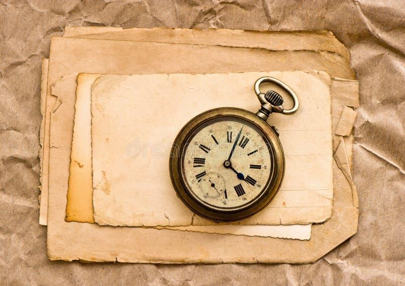 Stary papierowy prześcieradło rocznika kieszeni zegar zdjęcia stock