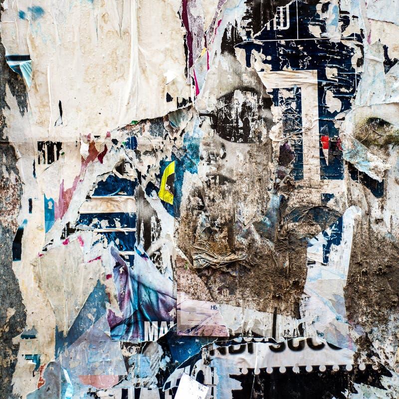 Stary plakatowy grunge tekstury tło plakat rozdzierający zdjęcia royalty free