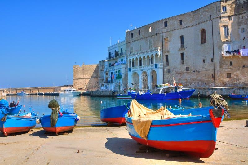 Stary port. Monopoli. Puglia. Włochy. zdjęcia stock