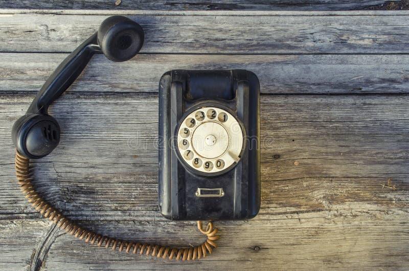 Stary powyginany czerń telefon obraz stock