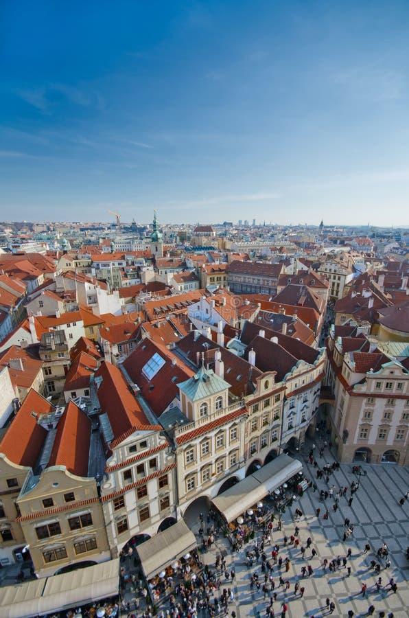 stary Prague czerwieni dachu kwadrat taflował wierzchołki grodzkich obrazy stock