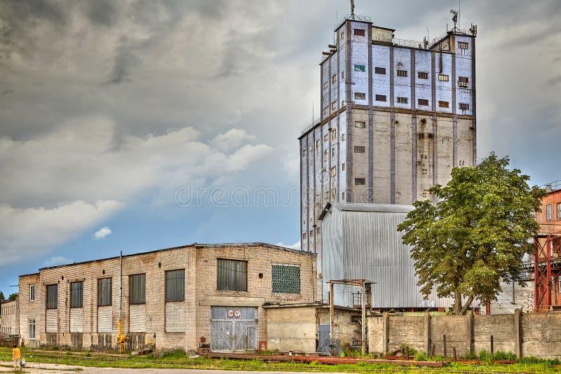 Stary przemysłowy budynek jest na dużą skalę piekarnią w Vitebsk, Belaru zdjęcie royalty free