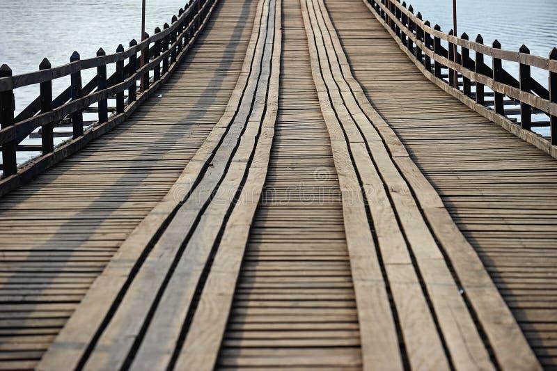Stary przy Sangklaburi długi drewniany most, Kanchanaburi prowincja, obrazy royalty free