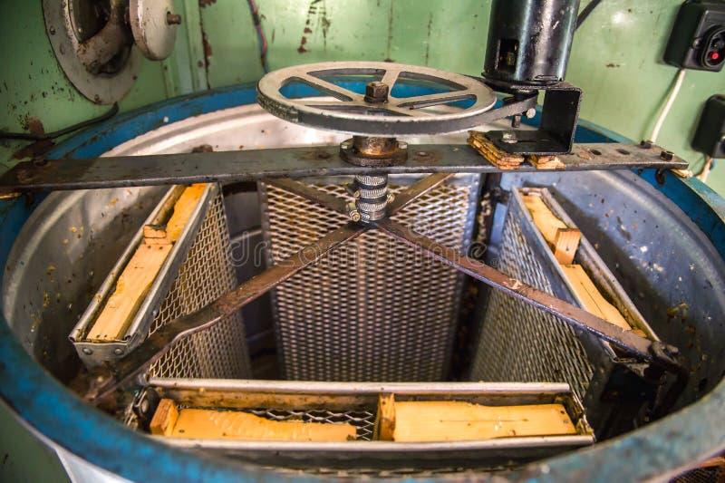 Stary Ręcznie robiony automatyzujący Miodowy ekstraktor fotografia royalty free