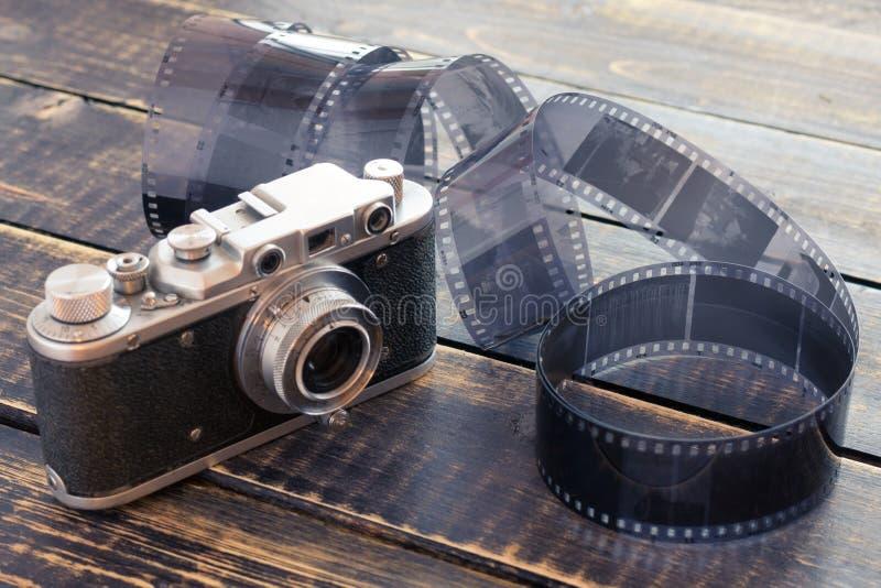 Stary rangefinder rocznik i retro fotografii kamera z rocznika koloru skutkiem zdjęcie royalty free