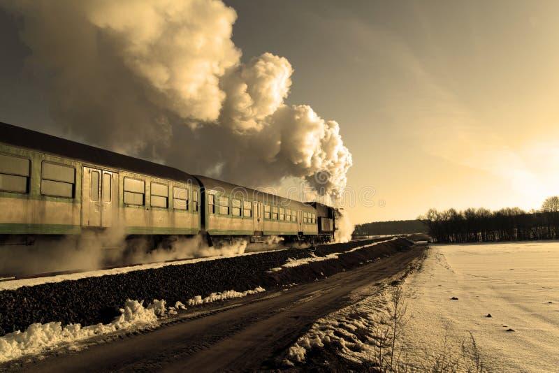 Stary retro kontrpara pociąg obraz stock