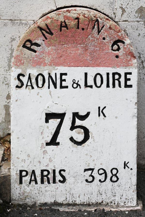 Stary RN6 kamień milowy w Macon, Francja fotografia stock