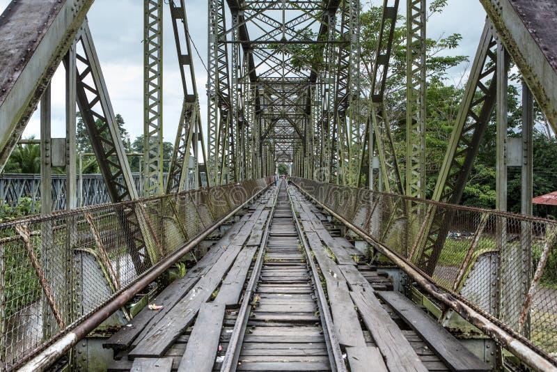 Stary rocznika most przy Sixaola zdjęcie stock