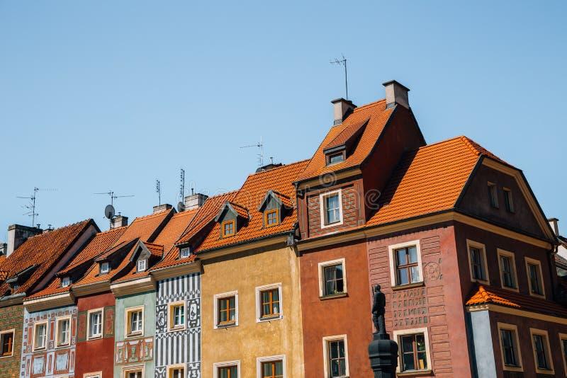 Stary Rynek, oud stadsplein, kleurrijke gebouwen in Poznan, Polen royalty-vrije stock foto