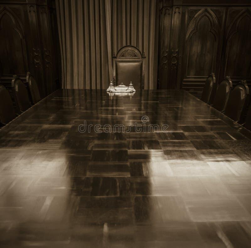 Stary sala posiedzeń stół fotografia royalty free