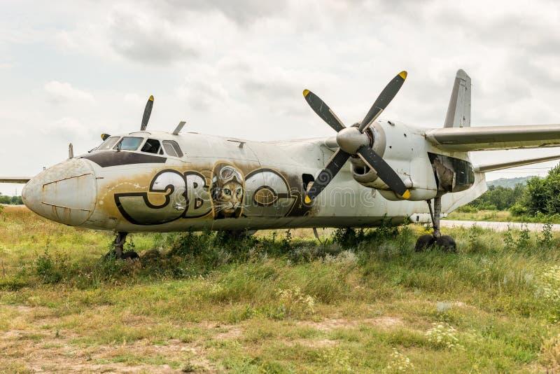 Stary samolotu latanie obrazy stock