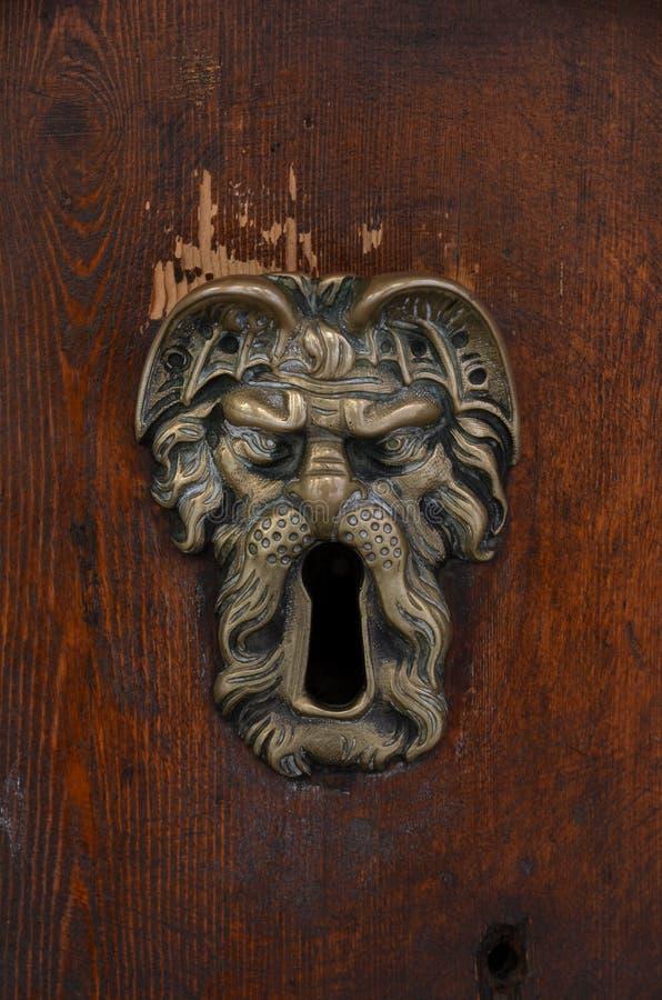 Stary sculpted mosiężny keyhole obrazy royalty free