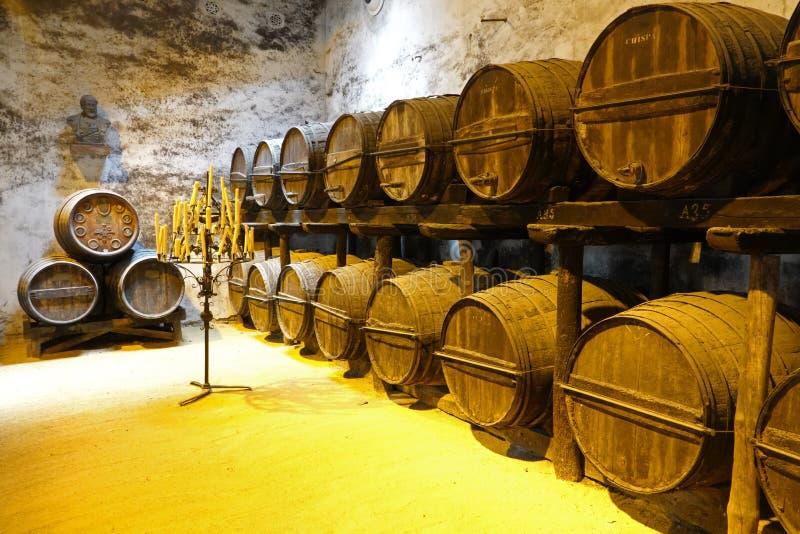 Stary sherry beczkuje w Jerez De La Frontera w Andalusia, Hiszpania zdjęcia royalty free