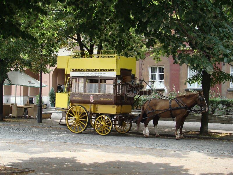 Stary specjalny turystyczny tramwaj z koniem zdjęcie royalty free