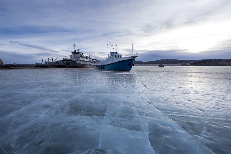 Stary statek blokujący w lodzie obraz stock
