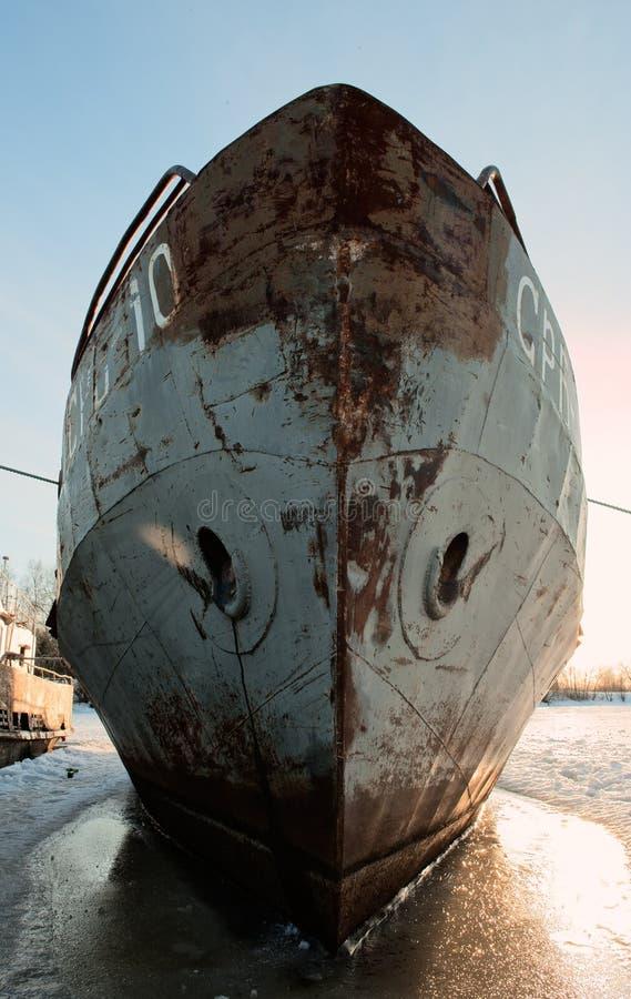 Stary statek w zimie zdjęcie stock