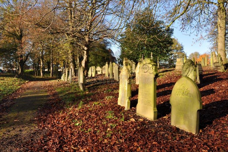 Stary Tradycyjny Angielski cmentarz obrazy stock