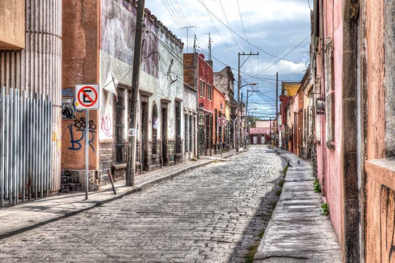 Stary uliczny śródmieście san luis Potosi, Meksyk obraz stock