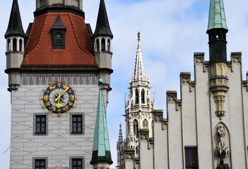 Stary urz?d miasta przy Marienplatz kwadratem, Monachium, Niemcy obrazy royalty free