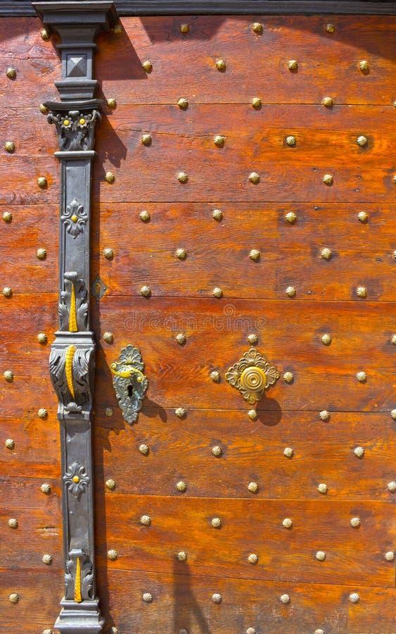 Stary wejściowy drzwi w Salzburg, Austria zdjęcie stock