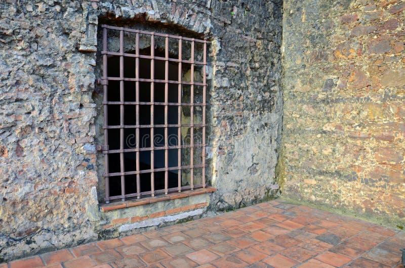 Stary więźniarski drzwi zdjęcie royalty free