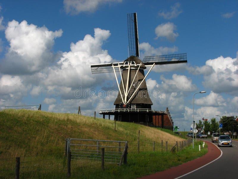 Stary Wiatrowy młyn w holandiach obraz stock