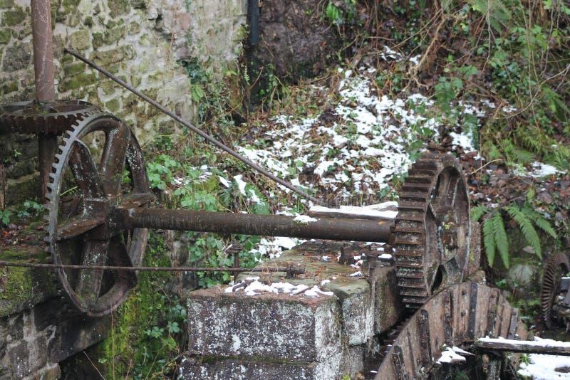 Stary wodny młyński koło obrazy stock