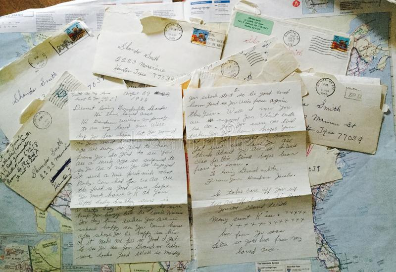 Stary wyga pisać listy obrazy royalty free