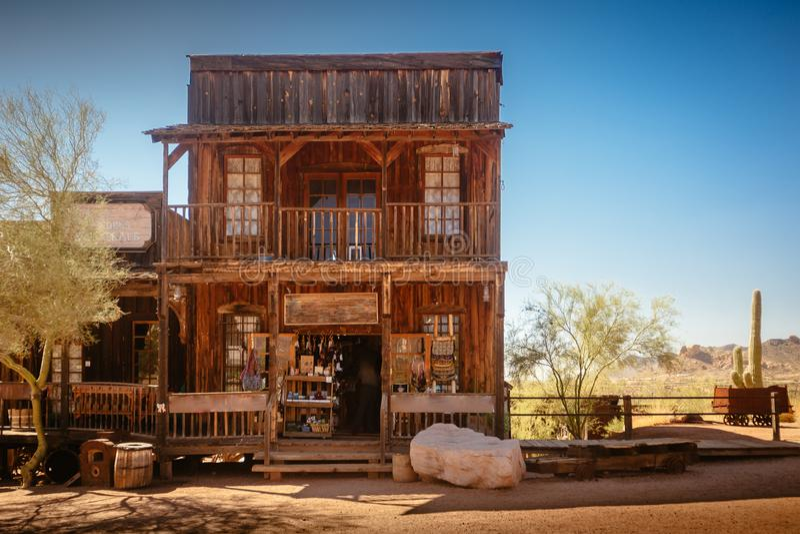 Stary Zachodni Drewniany budynek w Goldfield kopalni złotej miasto widmo w Youngsberg, Arizona, usa obraz stock
