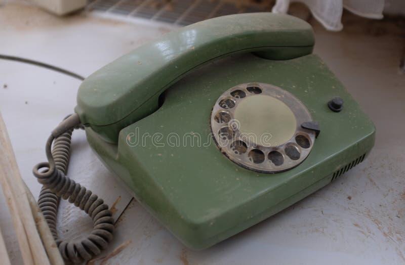 Stary zakurzony telefonu set obrazy stock